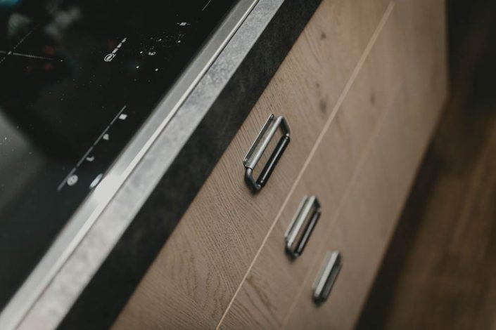 cucina con cassetti stile industriale