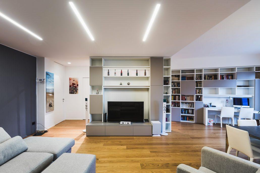 parete libreria per dividere ambiente