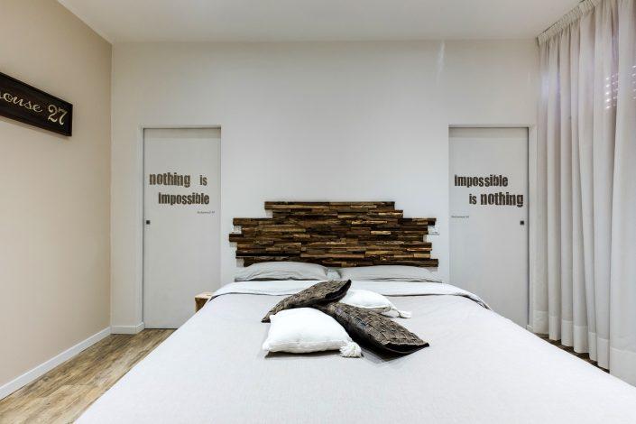 mobile letto legno grezzo