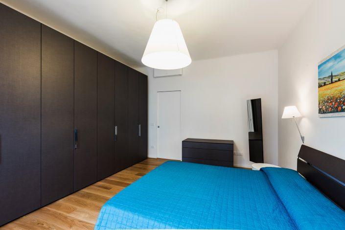 mobili scuri camera da letto