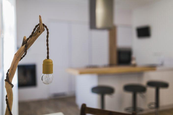 lampada da tavolo design legno