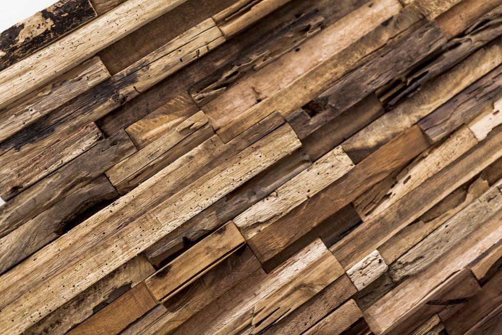 mobili con legno grezzo