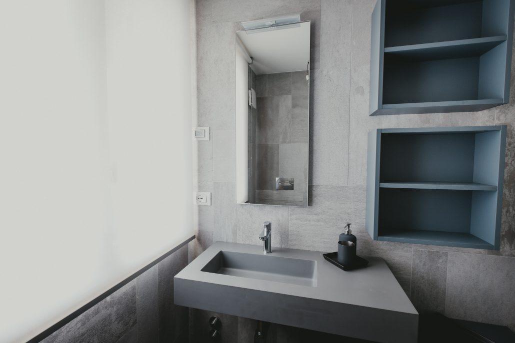 lavandino bagno sospeso