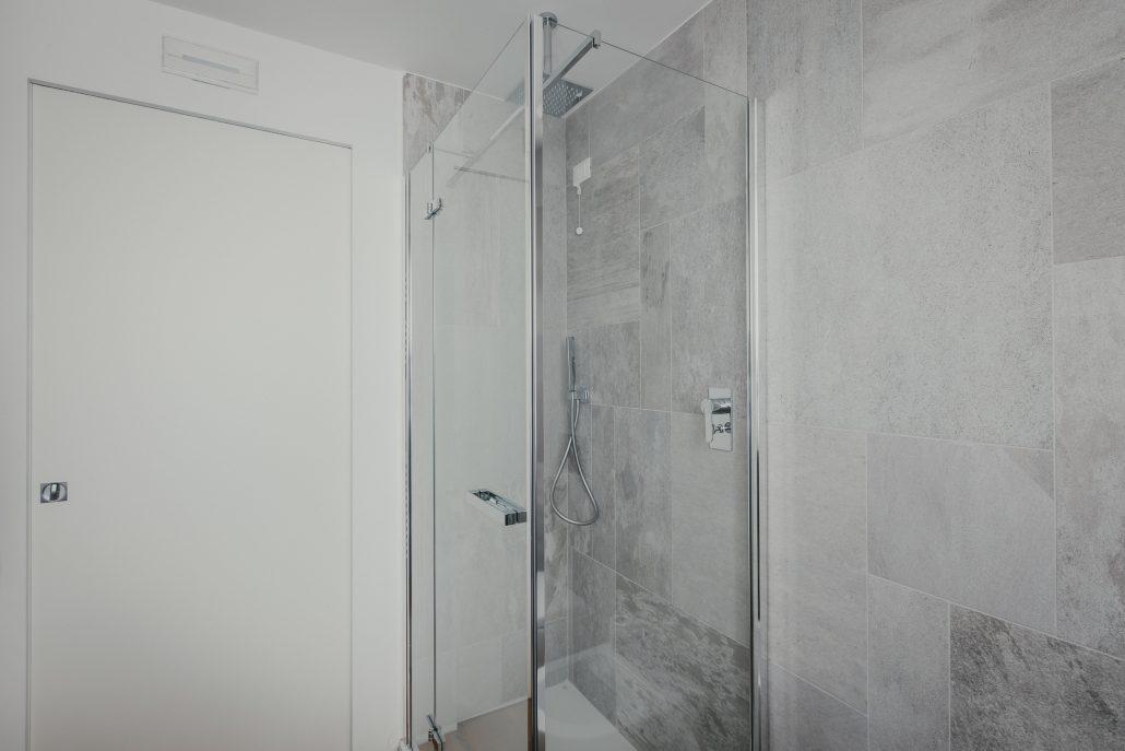 piccolo box doccia ad angolo