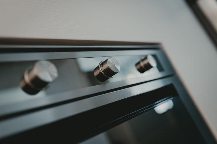 forno design acciaio scuro