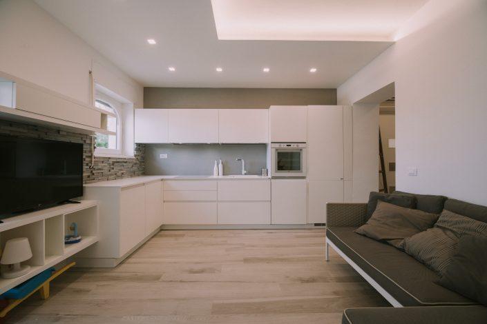 arredo moderno cucina soggiorno