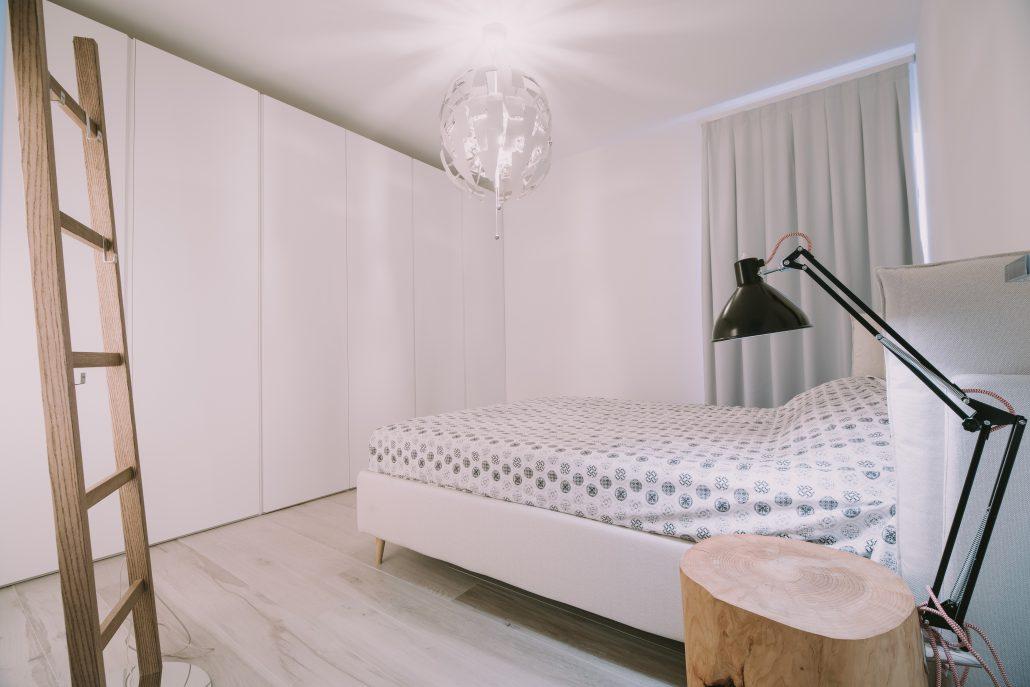 dettagli legno arredo camera da letto