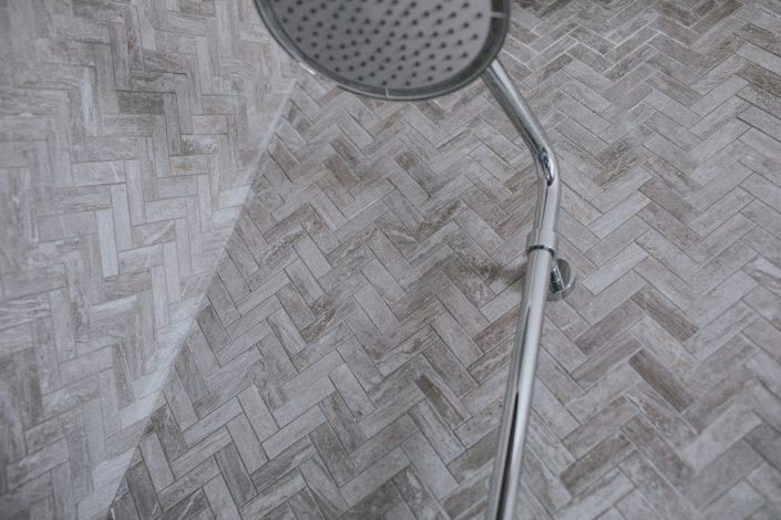 piastrelle rivestimento doccia