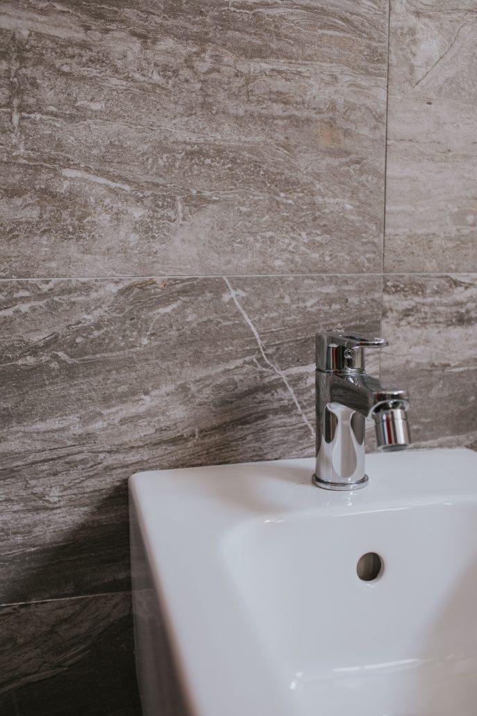 piastrelle bagno effetto marmo