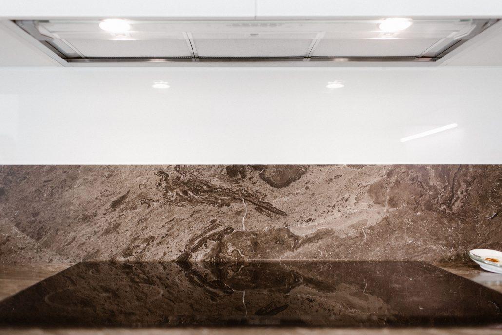 schienale cucina in marmo