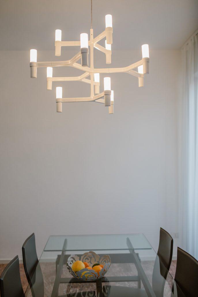 lampadario a bracci moderno