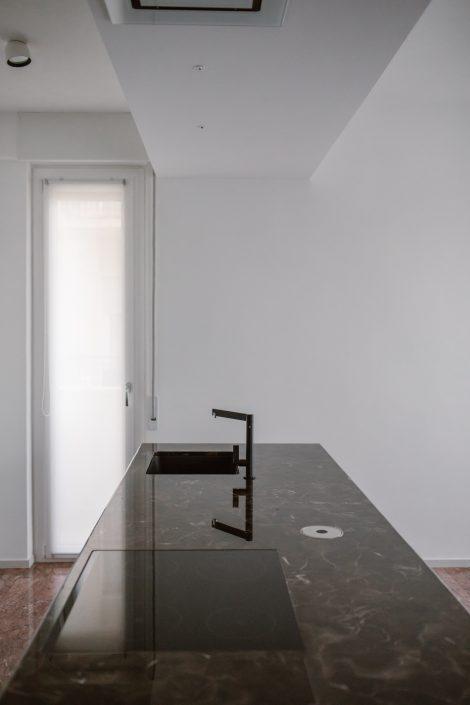 isola cucina piano di marmo