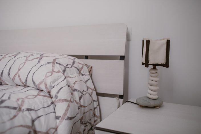 testiera letto legno moderna