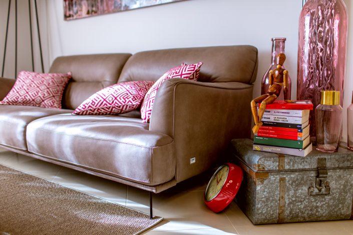 arredo soggiorno industrial colorato