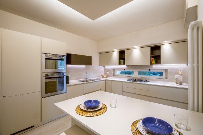 arredo bianco cucina moderna