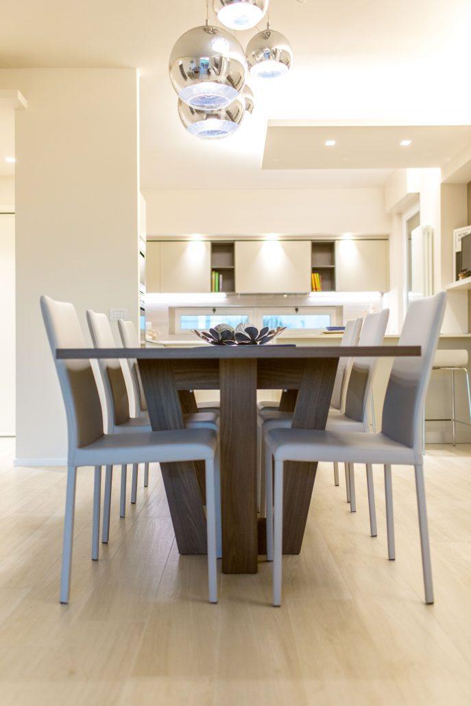 tavolo design effetto legno