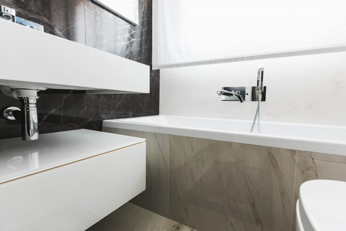 piastrelle bagno marmo