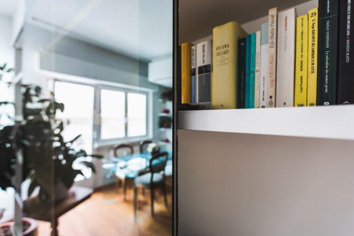 libreria con ante a specchio