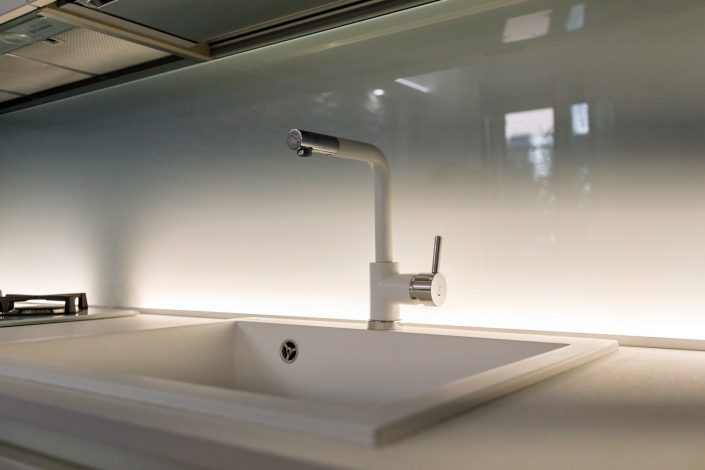 lavandino cucina design bianco