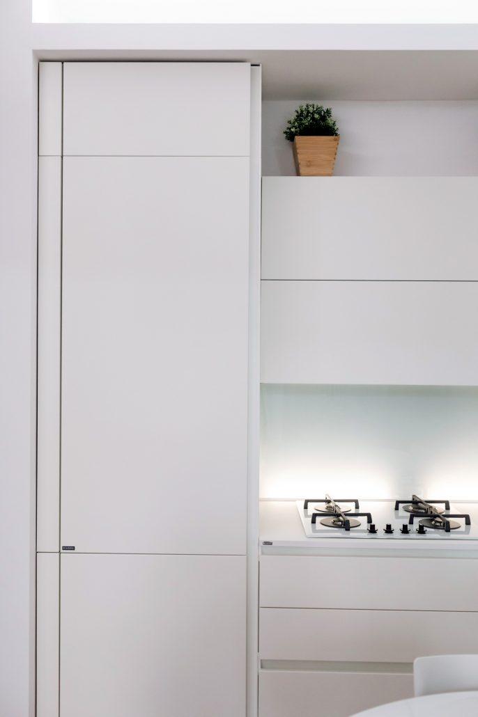 mobile bianco per frigorifero