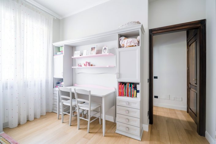mobili legno bianco cameretta