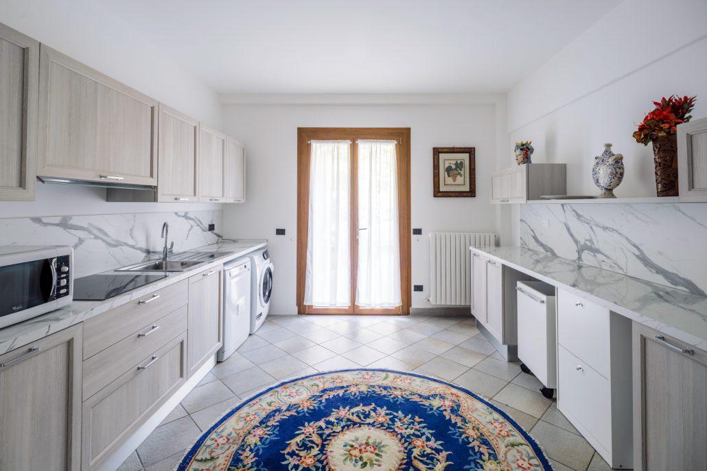 arredare cucina pareti frontali