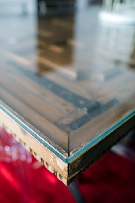 tavoli realizzati con vecchie porte