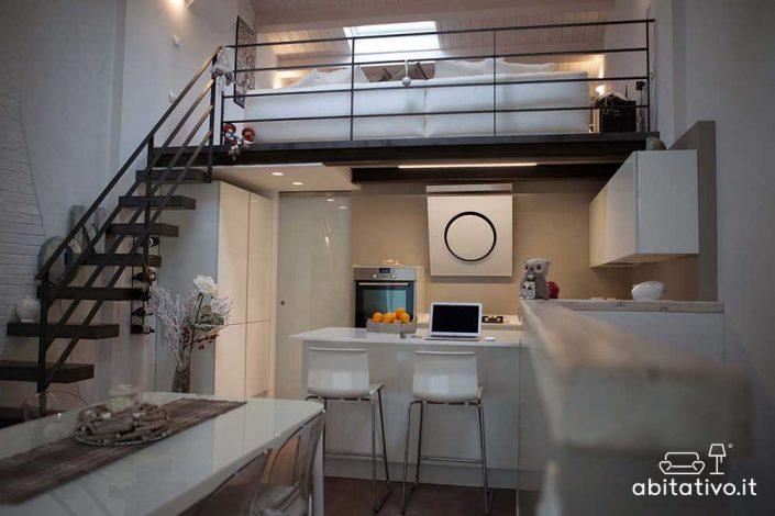 arredamento appartamento con soppalco