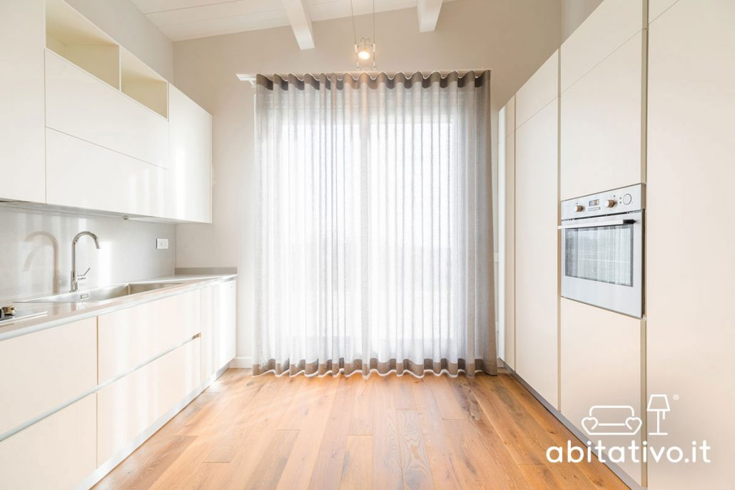 cucine su due pareti frontali