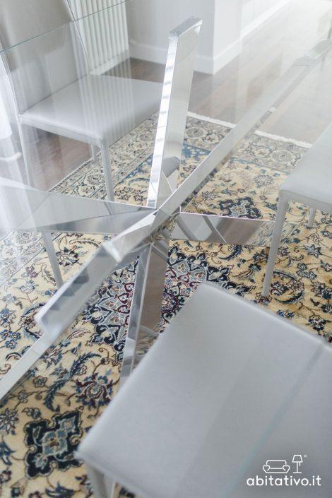 tavolo con gambe acciaio incrociate
