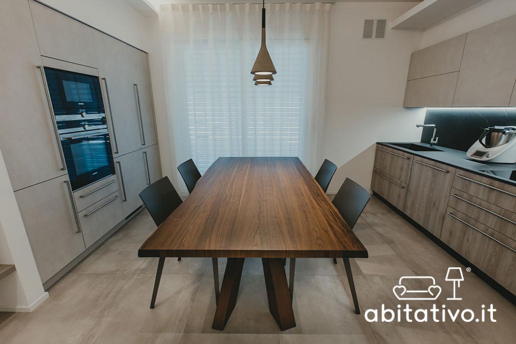 set tavolo sedie stile industriale
