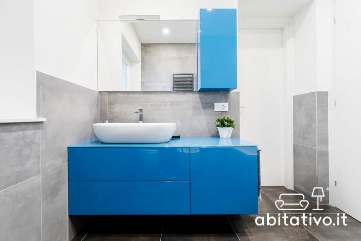 mobili bagno moderni sospesi