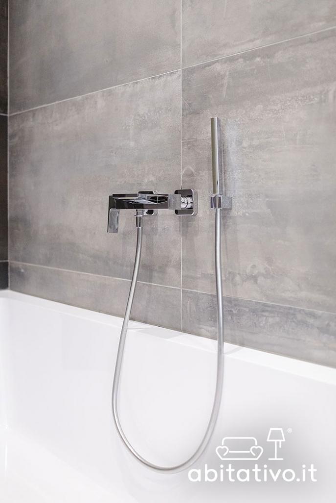 rubinetto vasca da bagno con doccetta