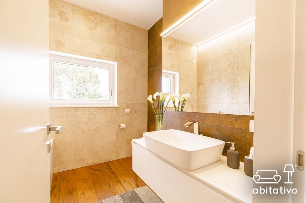 scegliere rivestimenti bagno moderno