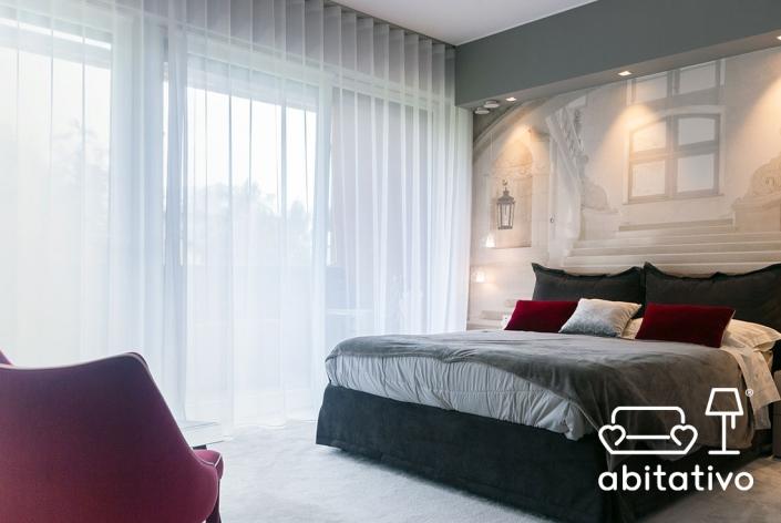 camera da letto tonalità grigie