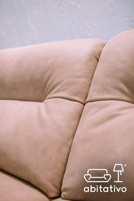 divano pelle stile vintage