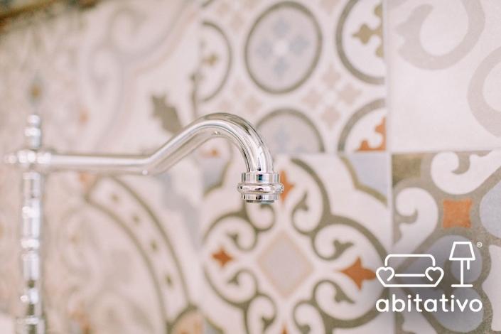 rubinetti cromati cucina provenzale
