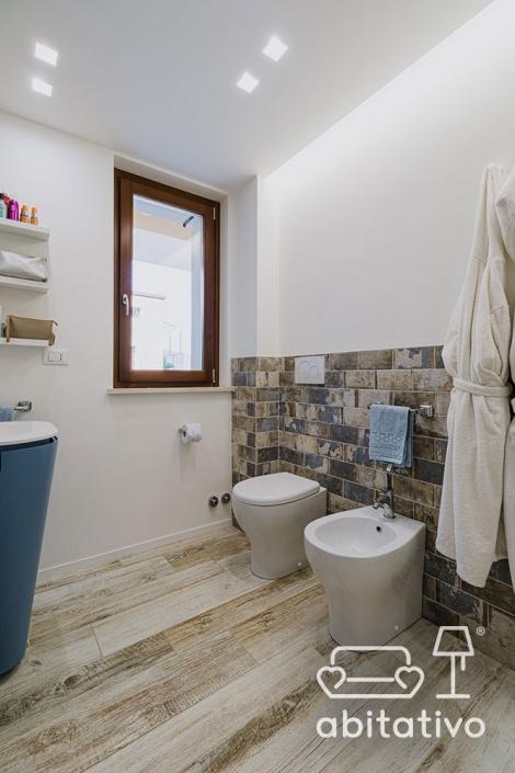 altezza piastrelle parete bagno