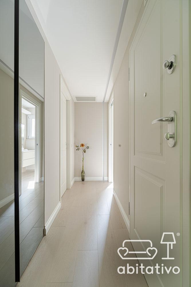 colore pareti corridoio luminoso
