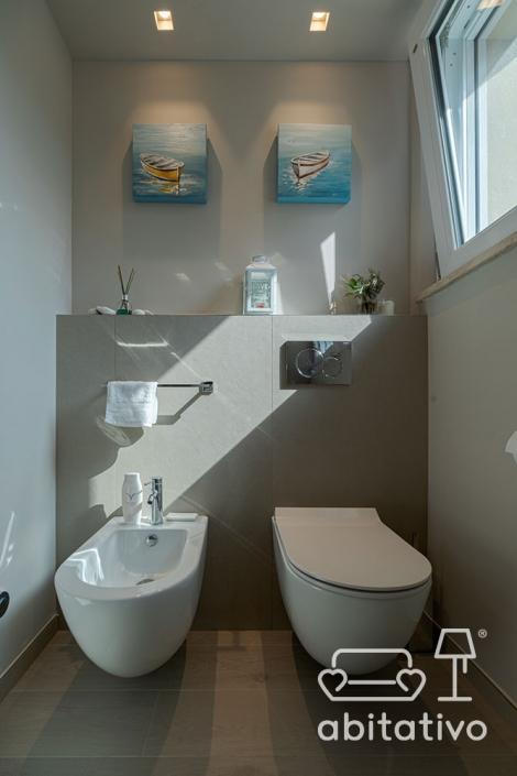 decorare parete bagno