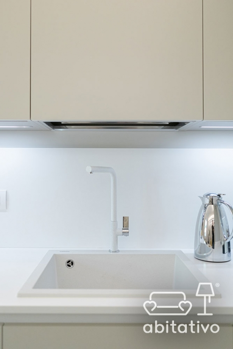 rubinetto cucina bianco