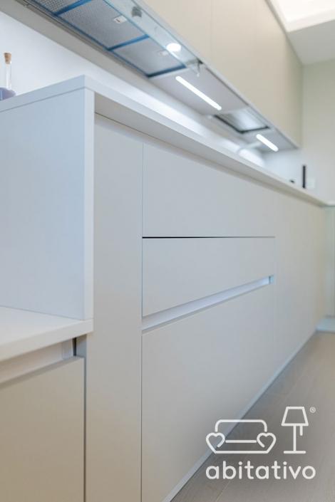 mobile cucina con cassetti