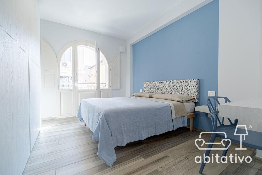 come pitturare parete dietro al letto