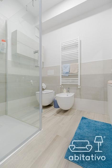 esempi disposizione piastrelle bagno