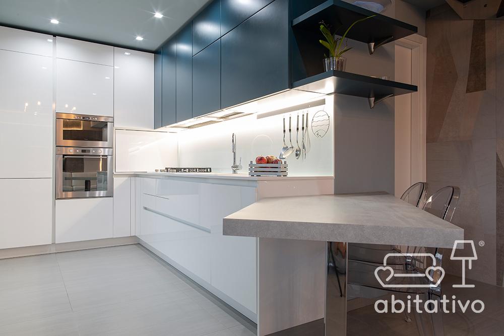 tavolo cucina in marmo e acciaio cromato