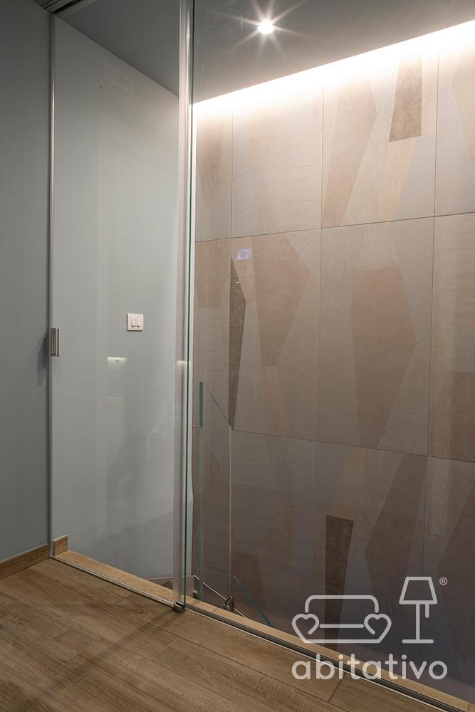 parete in vetro chiusura scala