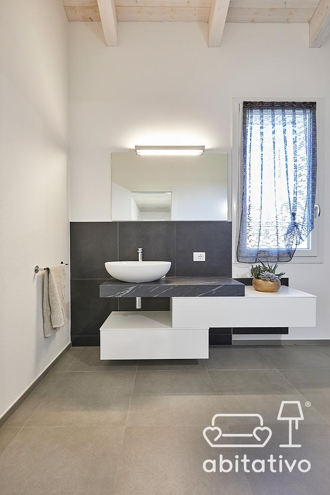 mobile bagno sospeso minimale
