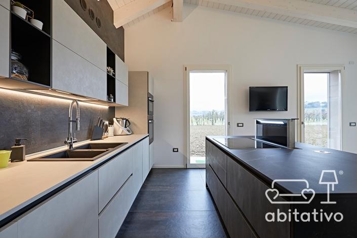 rivestimenti cucina grigio antracite