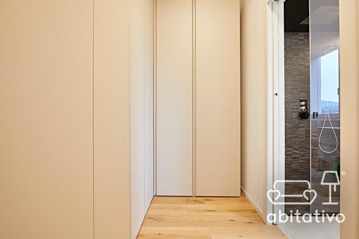 armadio bianco opaco ante strette