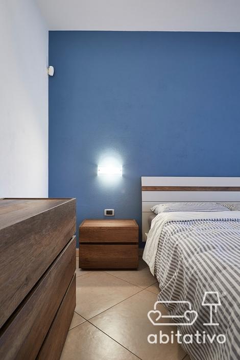 colore parete camera con arredo in legno